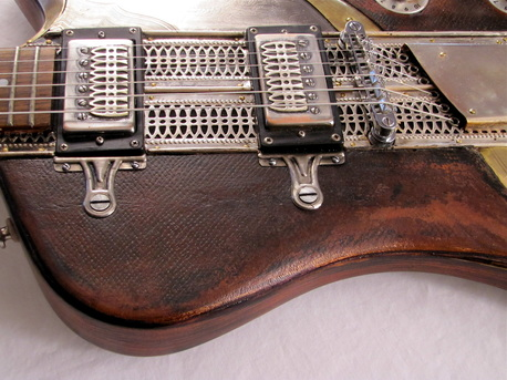 Sandpiper electric guitar leather side Picture