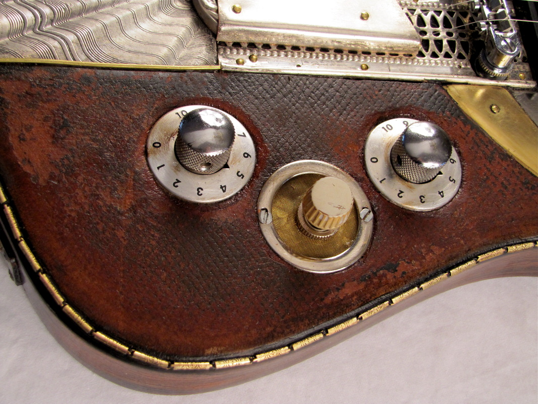 Sandpiper electric guitar detail knob front Picture
